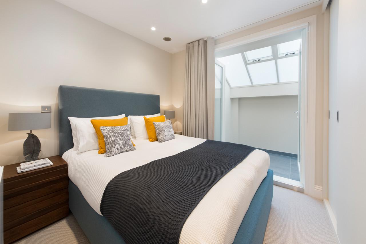 13 Adams Row Bedroom