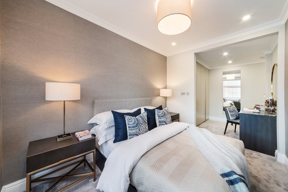 Flat M 45 Eaton Square Main Bedroom