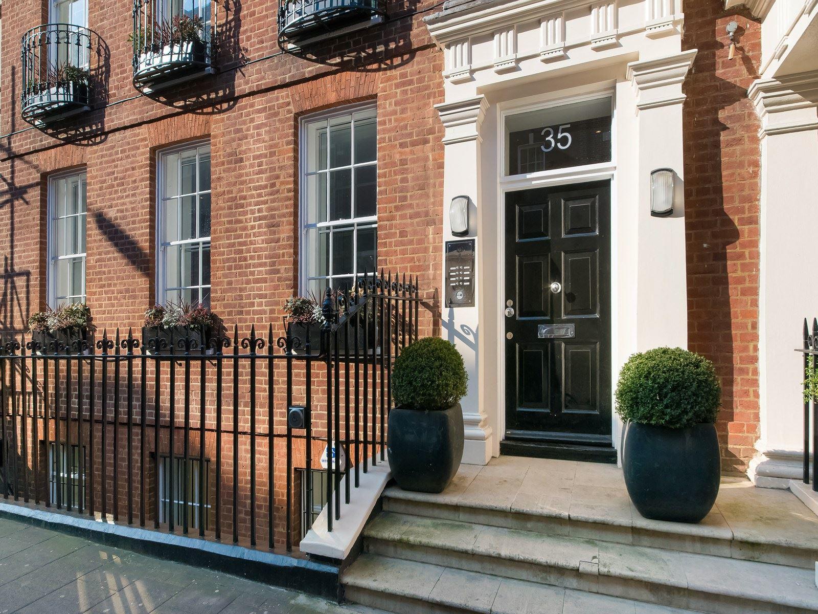35 Grosvenor Street Front
